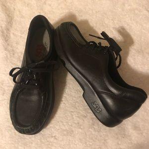 SAS Women's Shoes Sz 8.5 N